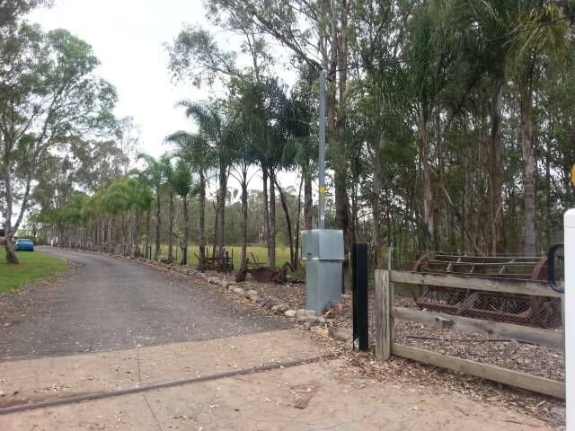 Attend Locksmiths Job Photo's CCTV on front gate pole