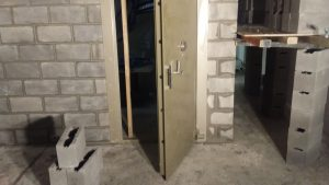 Vault Door installation data safe