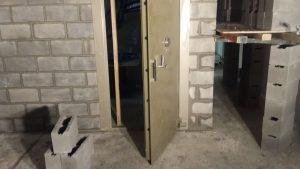 Vault Door installation data safe